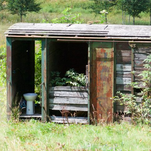 Toilette in der Natur, Eisenbahnwaggon