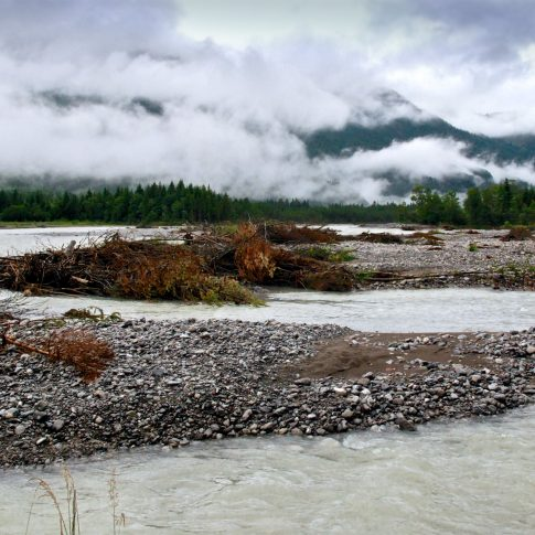 Mariella Knabe - Wildes Wasser - Der Lech bei Forchach nach einem Unwetter